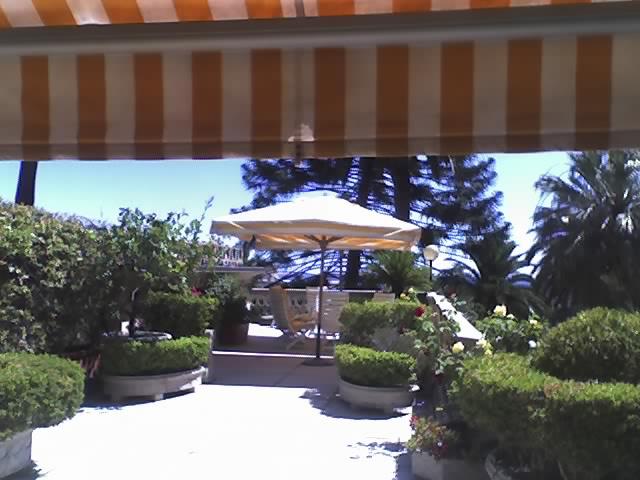 una zona del terrazzo principale – Copia