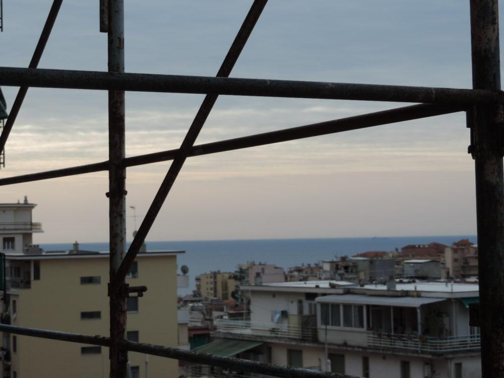 Sanremo bilocale via g galilei con vista mare suma - Villa privata con piscina ...
